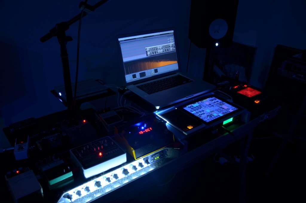 MIDI Designer is the go-to professional MIDI controller platform for iOS. Electro Band fuses technology and art.